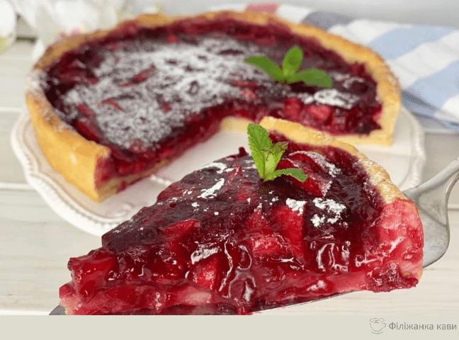 Вишнево - яблучний пиріг: смачний і ароматний без зайвих калорій