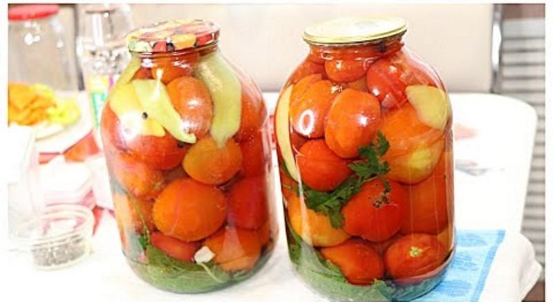 Ми з'їдаємо такі помідори в мить! Простий і швидкий рецепт на зиму