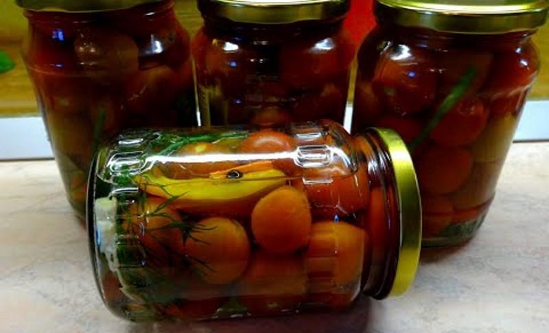 Солодкі мариновані помідори черрі на зиму! Простий, смачний рецепт без проблем.