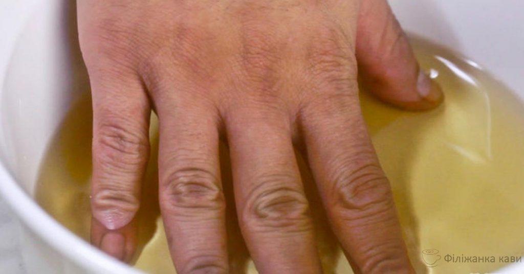 Біль у суглобах рук, ніг і шиї: 3 потужних рецепта для швидкого усунення!