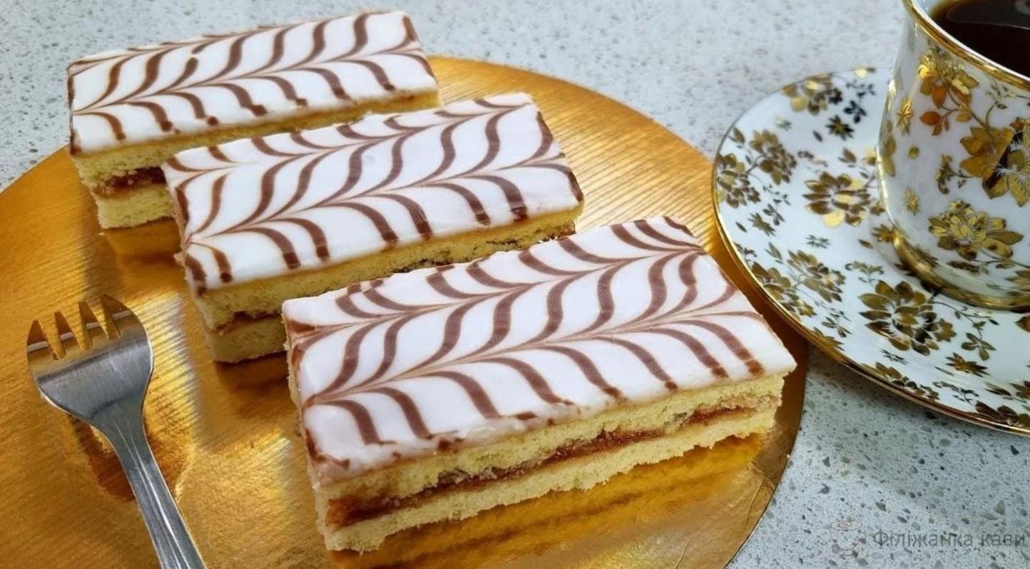 Улюблений десерт з дитинства: тістечко «Шкільне». Пісочна смужка з повидлом