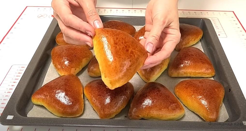 Випічка виходить з першого разу! Пиріжки з сливами: швидке тісто «Водолаз»