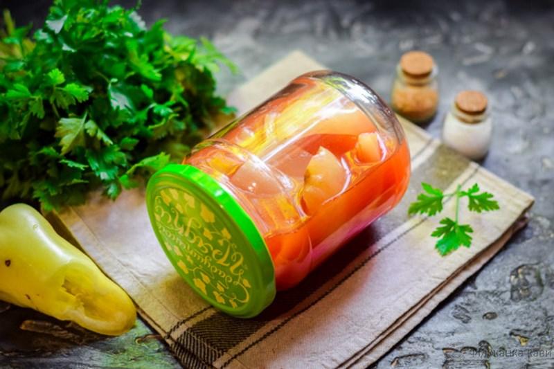 Перець в томатному соку на зиму - два оригінальних покрокових рецепта з фото